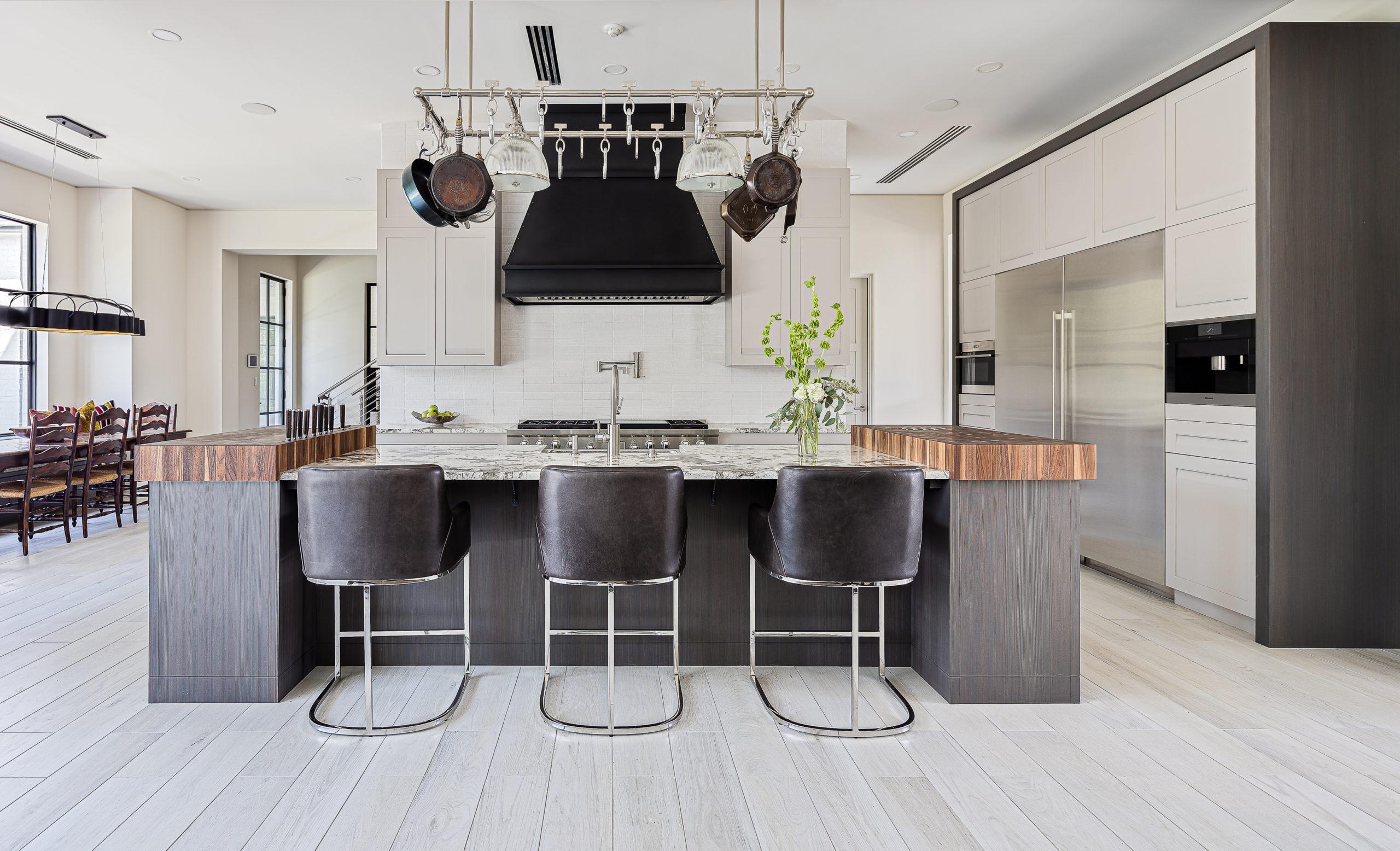 Gracious Modern Kitchen on the Bayou